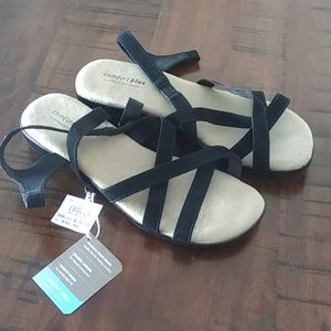 Comfort plus by Predictions size 8 1/2 sandals new